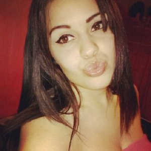 I am Maria, you can click the link to find me on facebook for any question.